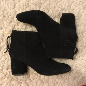 STEVE MADDEN BLACK SUEDE BOOTIES 6 ITHICA